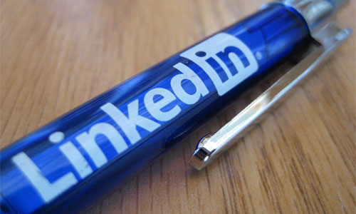 The Importance of a 'Client Facing' LinkedIn Profile Headline | Social Media Today