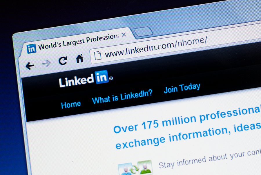 How Your Business Can Take Advantage of LinkedIn's New Lead Gen Forms | Social Media Today